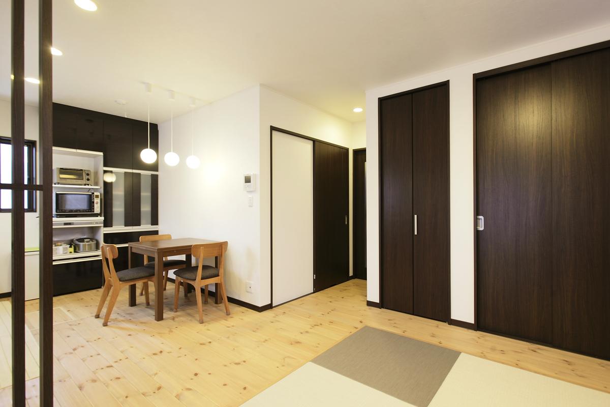生活スタイルを重視した二世帯住宅。
