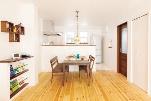 リフォーム事例紹介:隣家が密接する築48年の家を全面改装