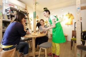 リフォーム事例紹介:音楽とデザートを楽しむ、常連さんの集まるお店。