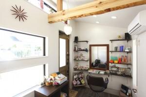 リフォーム事例紹介:奥さまの想いが詰まった美容室をオープン。