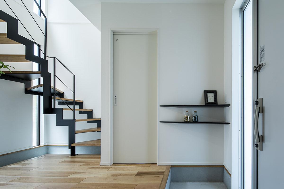 【玄関は収納で整える】玄関のおしゃれな収納アイデアを教えます