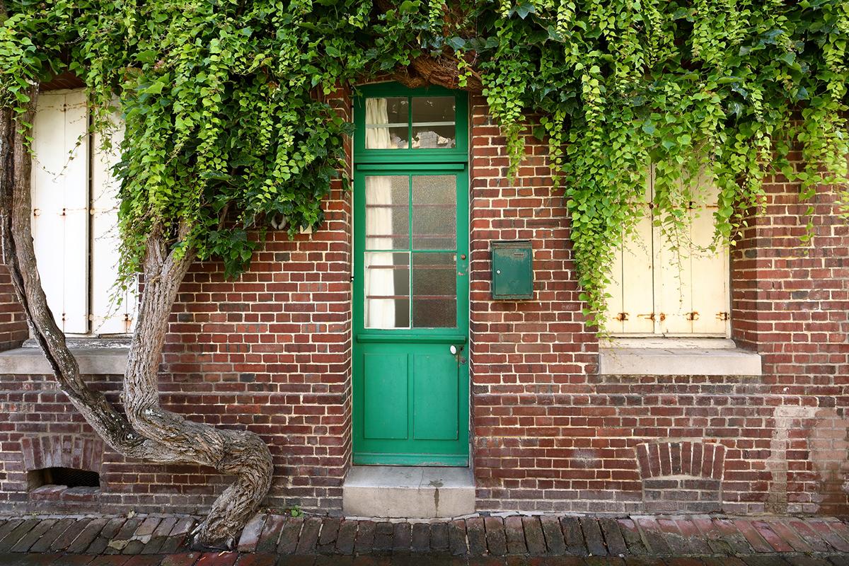 おしゃれな玄関でお出迎え!玄関を彩るこだわりのドア-3